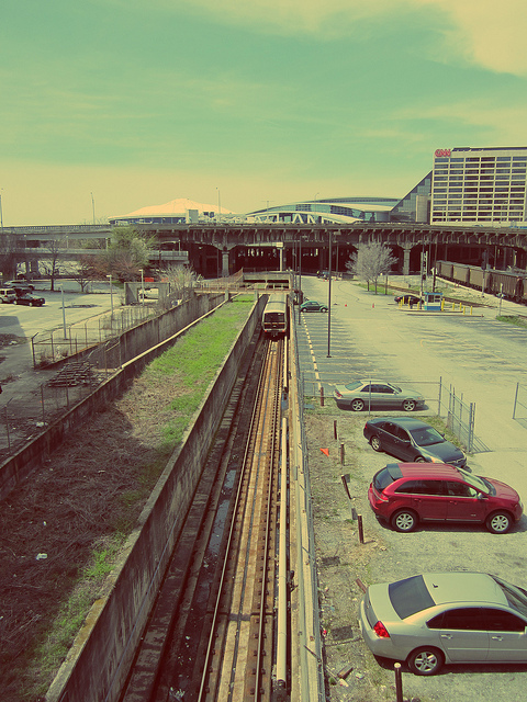MARTA Green Line Headed West Under Gulch - Filter