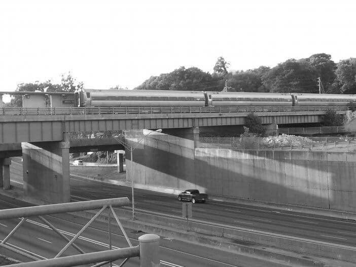 Amtrak crossing I-75 in Atlanta