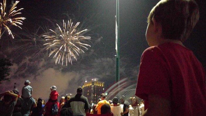 Fireworks Centennial Park 07 2017